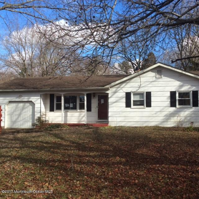 14 Marilyn Drive East Windsor, NJ 08520